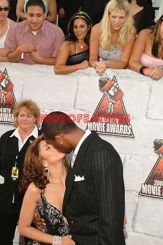 Kobe Bryant and wife Vanessa at the 2004 MTV Movie Awards at Sony Picture Studios in Culver City 6/5/2004