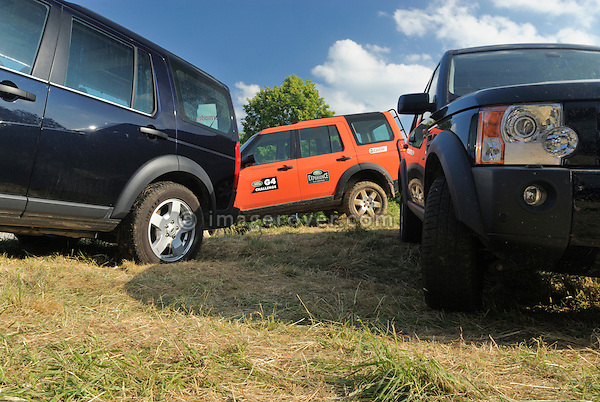 Germany, Bad Kissingen, Allrad Messe, 15-18.06.2006. Land Rover Discovery 3's. --- No releases available. Automotive trademarks are the property of the trademark holder, authorization may be needed for some uses.