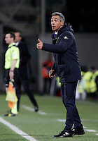 Calcio, Serie A: Fiorentina vs Juventus. Firenze, stadio Artemio Franchi, 24 aprile 2016.<br /> Fiorentina's coach Paulo Sousa gives indications to his players during the Italian Serie A football match between Fiorentina and Juventus at Florence's Artemio Franchi stadium, 24 April 2016. <br /> UPDATE IMAGES PRESS/Isabella Bonotto