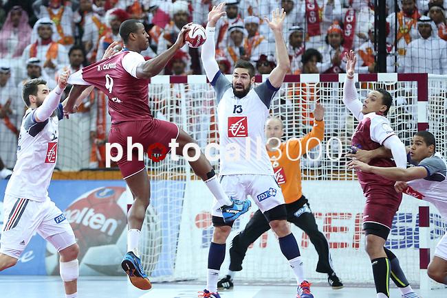 handball wordl cup match between Qatar vs France. Defense France. 2015/02/1. Doha. Qatar. Alberto de Isidro. Photocall3000