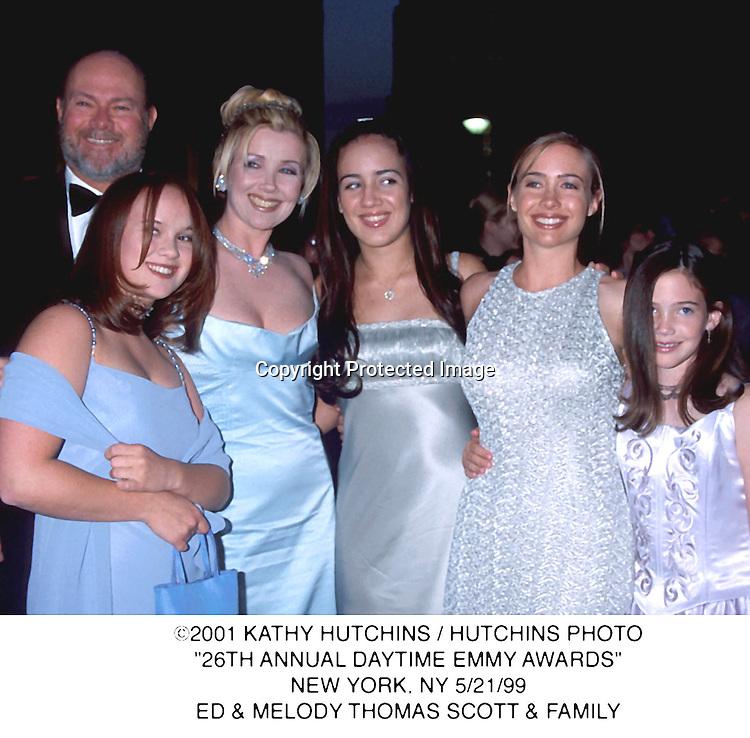 """©2001 KATHY HUTCHINS/HUTCHINS PHOTO.""""26TH ANNUAL DAYTINE EMM  AWARDS"""".NEW YORK, NY 5/21/99.ED& MELODY THOMAS SCOTT & FAMILY"""