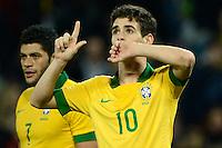 GENEBRA, SUICA, 21 DE MARCO DE 2013 -Oscar jogador da Selacao brasileira comemora gol durante partida amistosa contra a Itália, disputada em Genebra, na Suíça, nesta quinta-feira, 21. O jogo terminou 2 a 2. FOTO: PIXATHLON / BRAZIL PHOTO PRESS