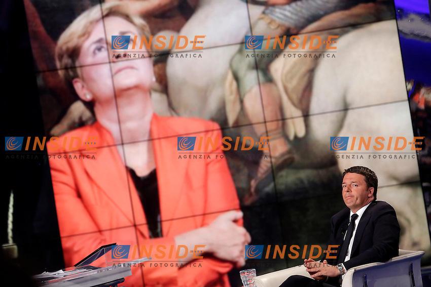 Matteo Renzi e sullo schermo Federica Guidi<br /> Roma 12-05-2016. Trasmissione Tv 'Porta a Porta' sulla Rai.<br /> Rome 12th May 2016. Tv talk show Porta a Porta.<br /> Photo Samantha Zucchi Insidefoto