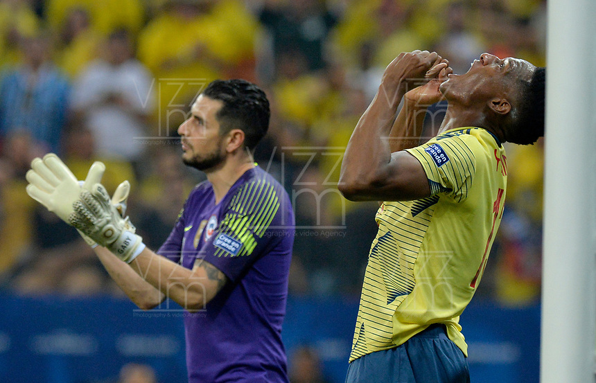 SAO PAULO – BRASIL, 28-06-2019: Yerry Mina de Colombia reacciona después de perder una opción de gol durante partido por cuartos de final de la Copa América Brasil 2019 entre Colombia y Chile jugado en el Arena Corinthians de Sao Paulo, Brasil. / Yerry Mina of Colombia reacts after loosing a goal opportunity during the Copa America Brazil 2019 quarter-finals match between Colombia and Chile played at Arena Corinthians in Sao Paulo, Brazil. Photos: VizzorImage / Julian Medina / Cont /