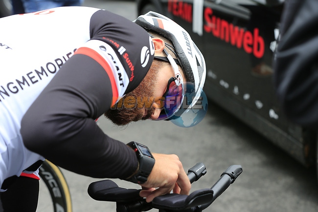Simon Geschke (GER) Team Sunweb before Stage 1, a 14km individual time trial around Dusseldorf, of the 104th edition of the Tour de France 2017, Dusseldorf, Germany. 1st July 2017.<br /> Picture: Eoin Clarke | Cyclefile<br /> <br /> <br /> All photos usage must carry mandatory copyright credit (&copy; Cyclefile | Eoin Clarke)
