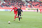 Mathias Fetsch (10,HFC) gegen Robin Krauße (23,FCI) beim Spiel in der 3. Liga, Hallescher FC - FC Ingolstadt 04.<br /> <br /> Foto © PIX-Sportfotos *** Foto ist honorarpflichtig! *** Auf Anfrage in hoeherer Qualitaet/Aufloesung. Belegexemplar erbeten. Veroeffentlichung ausschliesslich fuer journalistisch-publizistische Zwecke. For editorial use only. DFL regulations prohibit any use of photographs as image sequences and/or quasi-video.