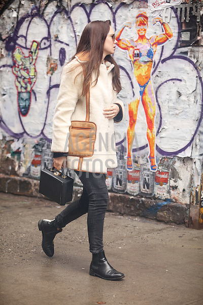 Street Style<br /> <br /> New York - Inverno 2016<br /> <br /> <br /> foto: FOTOSITE