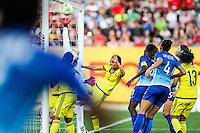 HAMILTON, CANADA, 25.07.2015 - PAN-FUTEBOL - Maurine do Brasil marca gol olimpico durante partida contra a Colombia em partida da final do futebol feminino nos jogos Pan-americanos no Estadio Tim Hortons em Hamilton no Canadá neste sábado, 25.  (Foto: William Volcov/Brazil Photo Press)
