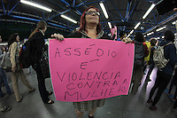 """SÃO PAULO,SP, 05.10.2015 - PROTESTO-SP - Manifestantes durante """"Ato Contra o Assédio no Metrô"""" no terminal Barra Funda região oeste de São Paulo na tarde desta segunda-feira (05). (Foto : Marcio Ribeiro / Brazil Photo Press)"""