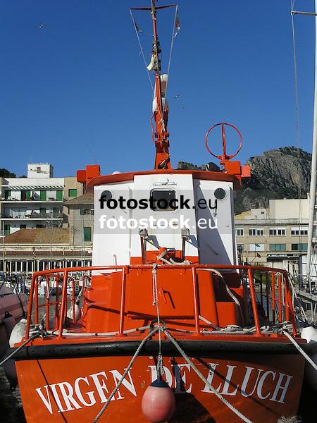 Fishing ship Virgen de Lluch in the harbor of Puerto de S&oacute;ller<br /> <br /> Barca de pesca Virgen de Lluch en Puerto de S&oacute;ller (cat.: Port Soller)<br /> <br /> Fischerboot Virgen de Lluch im Hafen von Puerto de Soller<br /> <br /> 2272 x 1704 px<br /> 150 dpi: 38,47 x 28,85 cm<br /> 300 dpi: 19,24 x 14,43 cm