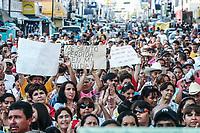 Benjamin Alonso.<br /> Centenares de personas se reunieron junto al mercado Municipal en el centro de la ciudad para exigir el retorno de las rutas anteriores y hacer reclamos encontra del Gobernador de Sonora Eduardo Bours, la unión de Usuarios apoyo el evento