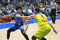 Tai Webster (Fraport Skyliners) gegen Karsten Tadda (EWE Baskets Oldenburg) - 05.11.2017: Fraport Skyliners vs. EWE Baskets Oldenburg, Fraport Arena Frankfurt