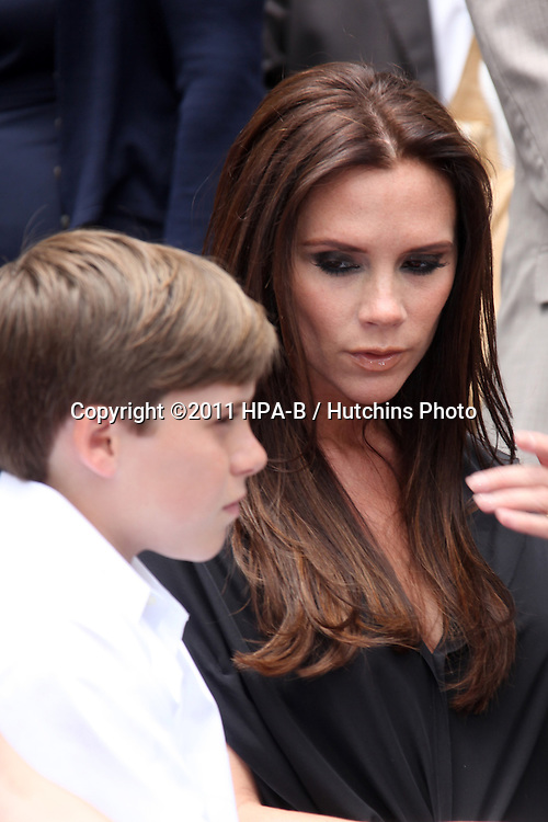 LOS ANGELES - MAY 23:  Brooklyn Beckham, Victoria Beckham at the Simon Fuller Hollywood Walk Of Fame Star Ceremony at W Hotel - Hollywood on May 23, 2011 in Los Angeles, CA