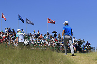 Zach Johnson (USA) walks to the 1st tee to start his match during Friday's Round 2 of the 117th U.S. Open Championship 2017 held at Erin Hills, Erin, Wisconsin, USA. 16th June 2017.<br /> Picture: Eoin Clarke | Golffile<br /> <br /> <br /> All photos usage must carry mandatory copyright credit (&copy; Golffile | Eoin Clarke)