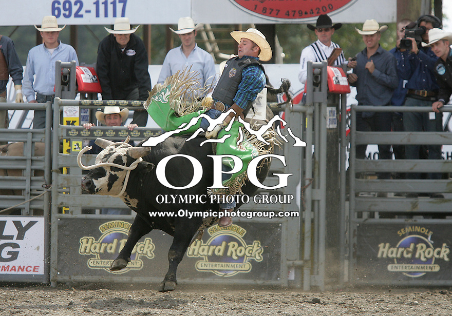 29 Aug 2010: Bryan Richardson was not able to score whle riding the bull Muddy Creek Mafia during the first round of the Seminole Hard Rock Extreme Bulls competition at the Kitsap County Stampede in Bremerton, Washington.