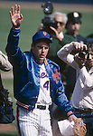 QUEENS, NY - 1983:  Tom Seaver #41 of the New York Mets waves as he is surrounded by the media at Shea Stadium in Queens, New York in 1983.  (Photo by Rich Pilling)