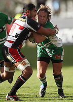 Manawatu prop Grant Polson runs into Fritz Lee during the Air NZ Cup rugby match between Manawatu Turbos and Counties-Manukau Steelers at FMG Stadium, Palmerston North, New Zealand on Sunday, 2 August 2009. Photo: Dave Lintott / lintottphoto.co.nz