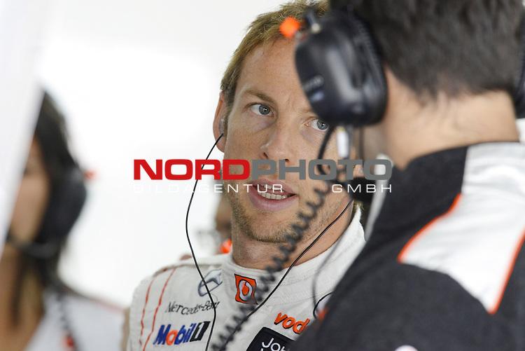 11.-14.10.2011, Korea-International-Circuit, Yeongam, KOR, F1, Gro&szlig;er Preis von S&uuml;dkorea, Yeongam, im Bild Jenson Button (GBR),  McLaren F1 Team  <br />  Foto &copy; nph / Mathis