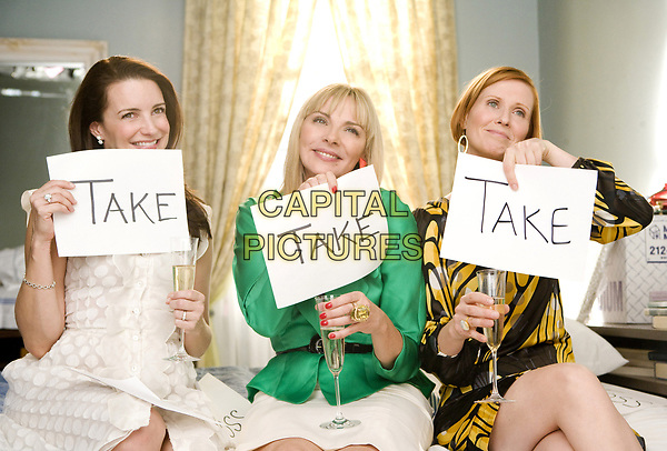 Sex and the City (2008) <br /> Kim Cattrall, Cynthia Nixon &amp; Kristin Davis<br /> *Filmstill - Editorial Use Only*<br /> CAP/MFS<br /> Image supplied by Capital Pictures