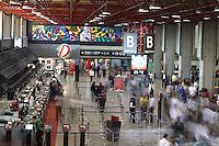 GUARULHOS, SP, 27/07/2012, MOV. AEROPORTO CUMBICA. Movimentacao tranquila no aeroporto de Cumbica na manha dessa Sexta-Feira (27). Luiz Guarnieri/ Brazil Photo Press