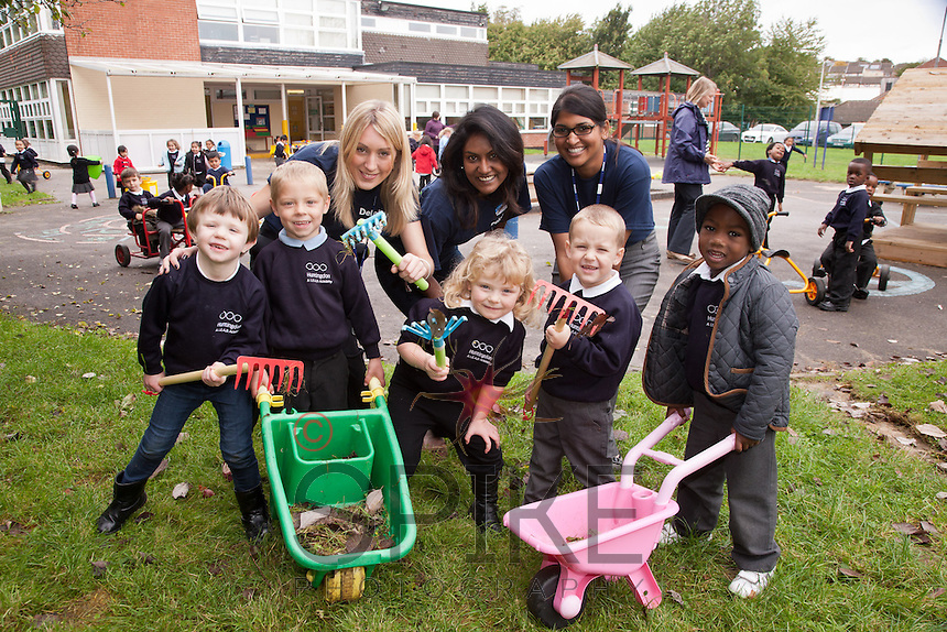 Pictured from left are Deloitte staff Clare Smith, Rouku Sanassy and Varsha Heerasing with youngsters Sofia Leonardi, 4, Lucas Fletcher, 4, Ellie Tatton, 4, Leo Thompson, 4, and Joel Coleman, 4.