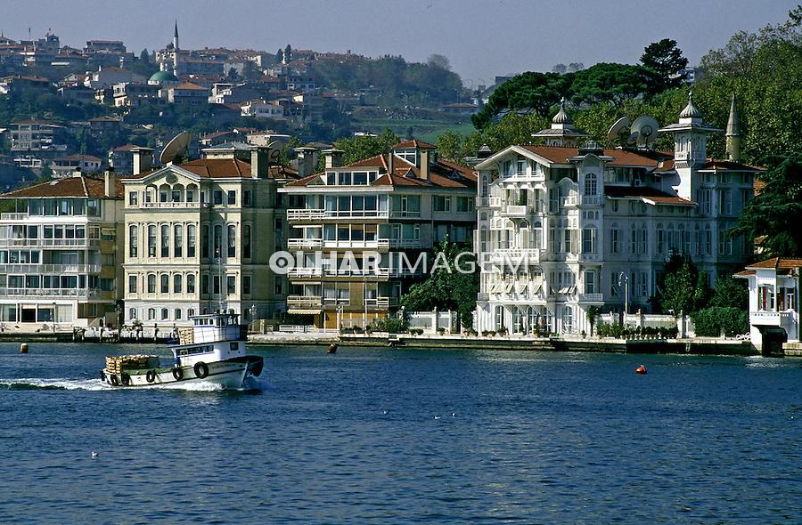Casas no estreito de Bósforo em Istambul.Turquia. 1995. Foto de João Caldas.