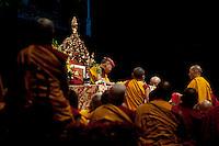 Milano: il Dalai Lama Tenzin Gyatso durante la giornata di preghiera al Forum di Assago..Milan: the Dalai Lama Tenzin Gyatso during prayer