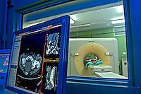 Exame de ressonancia magnetica no Hospital da Lagoa. Rio de Janeiro. 2010. Foto de Rogerio Reis.