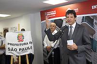 SAO PAULO, SP - 12.12.2014 - ENTREGA DE HABITAÇÃO - F. HADDAD - O Prefeito da Cidade de São Paulo, Fernando Haddad faz a entrega do Edifício Palacete dos Artistas, Antigo Hotel Cineasta na Avenida São Joao região central de Sao Paulo na manhã desta sexta-feira (12). As instalações do edifício foram revitalizadas e transformada em moradia popular para artistas, disponibilizando 50 apartamentos para entidades do meio artístico. <br /> <br /> (Foto: Fabricio Bomjardim / Brazil Photo Press).