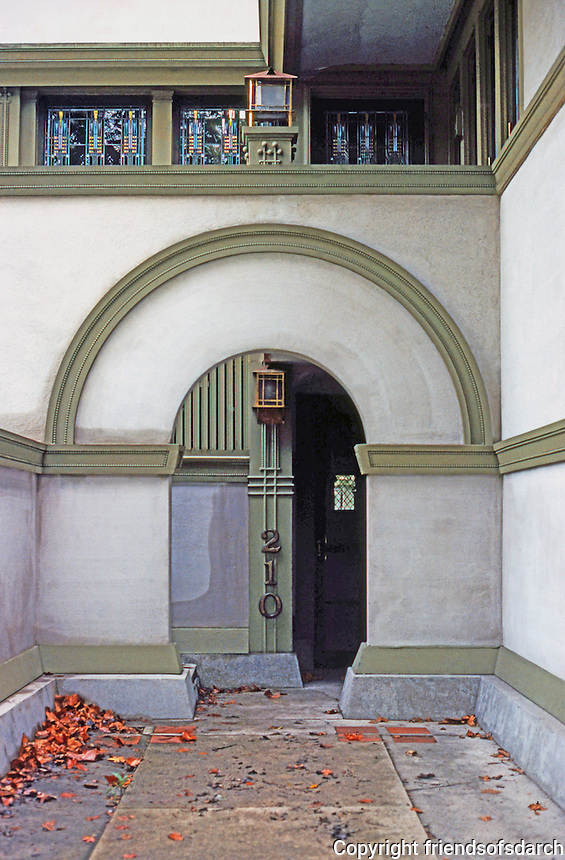 F.L. Wright: Frank W. Thomas House. Detail: entrance from street.  Photo '77.
