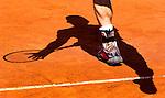 PARIJS - De als vierde geplaatste Brit Andy Murray zaterday in actie op baan 1,   tegen de Colombiaan Santiago Giraldo , tijdens de derde ronde van Roland Garros. ANP KOEN SUYK