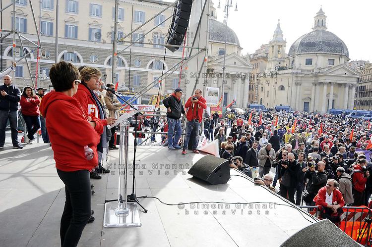 Roma, 21 Ottobre 2011.Piazza del Popolo.Manifestazione della Fiom per il Lavoro , la Democrazia , contro i Licenziamenti..Susanna Camusso, Segretario CGIL