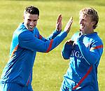 Nederland, Katwijk, 11 oktober  2012.Seizoen 2012-2013.Nederlandselftal.Training van Oranje.Robin van Persie heeft een dolletje met Dirk Kuyt