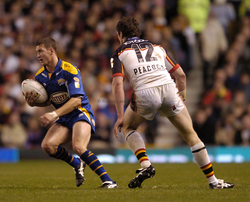 Photo. Jed Wee..Leeds Rhinos v Bradford Bulls, Tetley's Rugby Super League Grand Final, 16/10/2004..Leeds' Danny McGuire (L).