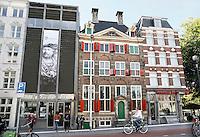 Nederland  Amsterdam  2016. Het Rembrandthuis. Het Rembrandthuis is een voormalig woonhuis in de Jodenbreestraat, in het centrum van Amsterdam, waarin tegenwoordig het Museum Het Rembrandthuis is gevestigd. Tussen 1639 en 1658 werd het huis bewoond door de Nederlandse kunstschilder Rembrandt van Rijn.  Foto Berlinda van Dam / Hollandse Hooogte.