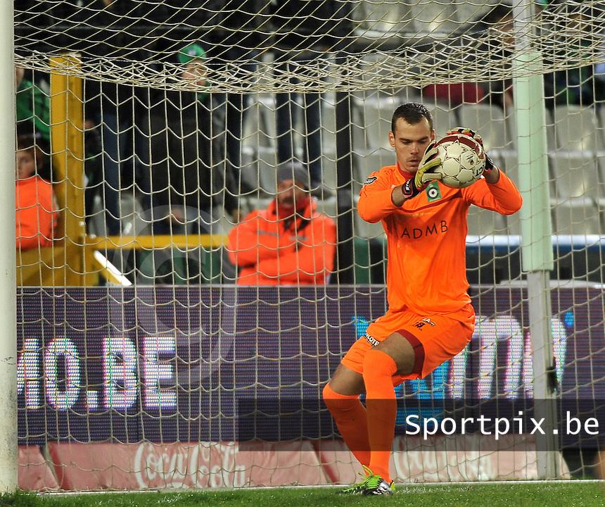 Cercle Brugge - KV Kortrijk : Cercle doelman Joris Delle<br /> foto VDB / Bart Vandenbroucke