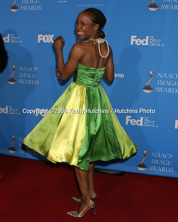 Alvin Ailey Dancer.37th NAACP Image Awards.Shrine Auditorium.Los Angeles, CA.February 25, 2006.©2006 Kathy Hutchins / Hutchins Photo....                 V