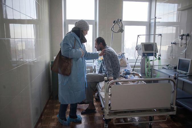 Moldawien ist noch immer das &auml;rmste Land Europas. Die<br />Hoffnung auf einen Beitritt zur Europ&auml;ischen Union sind gro&szlig;.<br />Tuberkulose ist nach Fortschritten in den letzten Jahren wieder auf<br />dem Vormarsch. Die Zahl der Neu-Patienten ist seit 2010<br />gestiegen und hat sich auf einem Niveau wie zuletzt Ende der 90er<br />eingependelt. TB Krankenhaus Chisinau. // Moldova is still the poorest country of Europe. Hopes to join the European Union are high. After progress in the past years tuberculosis is on the rise again. The number of new patients raise since 2010 and is on a level that has not been reached since the late 90s.