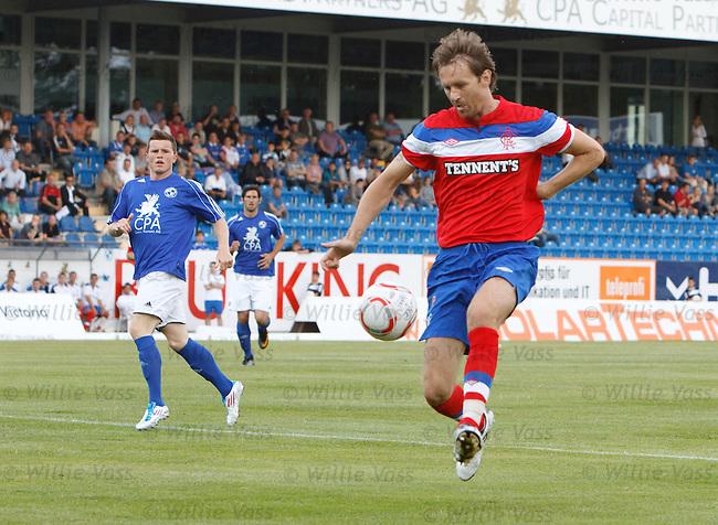 Sasa Papac gets forwards