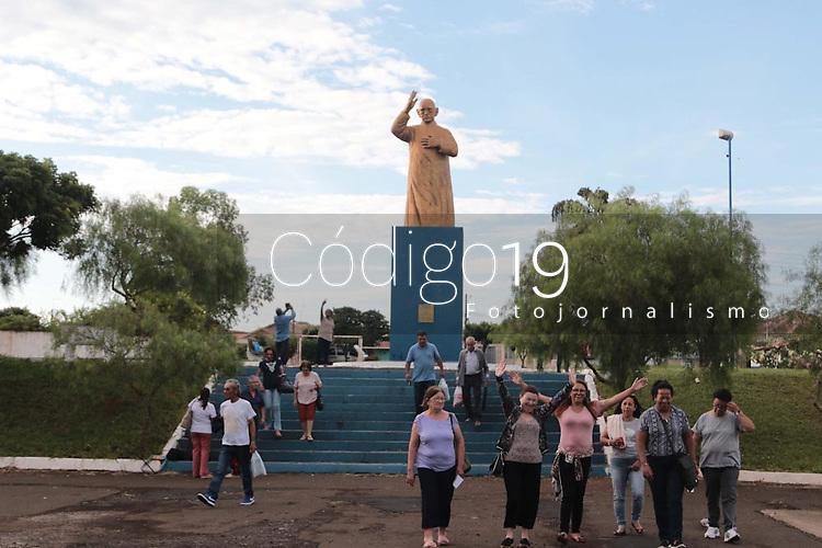 Tambau (SP), 23/11/2019 - Religiao - Movimentacao na cidade de Tambau, interior de Sao Paulo, para a Santa Missa de Beatificacao de Pe. Donizetti, celebrada neste sabado (23) em frente Igreja Sao Jose. (Foto: Denny Cesare/Codigo 19/Codigo 19)
