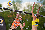 08.05.2015, Muenster, Schlossplatz<br /> smart beach tour, Supercup M&uuml;nster / Muenster, Qualifikation<br /> <br /> Angriff Anne Friedrich - Block Melanie Preu&szlig;er / Preusser<br /> <br />   Foto &copy; nordphoto / Kurth