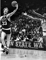Boston Celtics Larry Bird and Golden State Warriors Larry Smith. (1986 photo/Ron Riesterer)