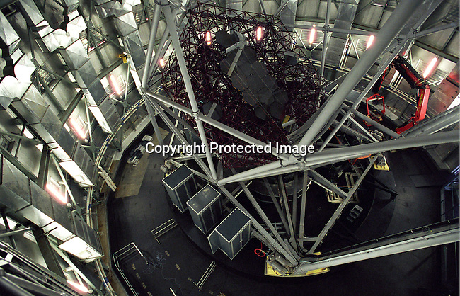 diastro00274 Astrology telescope,SALT,space,astronomi, tourism,mirrors.The (SALT) Southern African Large Telescope, the largest in the southern hemisphere is being built in Sutherland, a small rural farming town in the Karoo , South Africa. The town has seen an increasing number of visitors and investors coming to the town opening Bed and Breakfasts and buying property. The telescope will help scientists to view stars and galaxies a billion times too faint to be visible to the naked eye..©Per-Anders Pettersson/iAfrika Photos