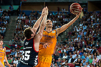 Baskonia's player Rafa Luz and Herbalife Gran Canaria's player Albert Oliver during the match of the semifinals of Supercopa of La Liga Endesa Madrid. September 23, Spain. 2016. (ALTERPHOTOS/BorjaB.Hojas)
