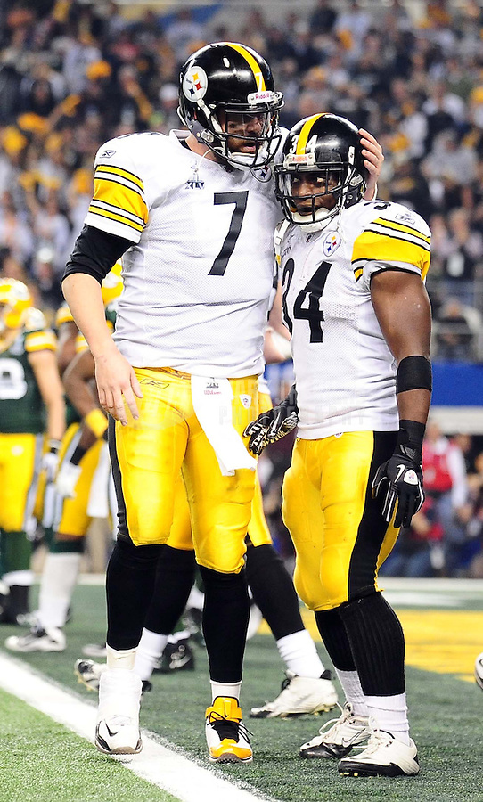 Feb 6, 2011; Arlington, TX, USA; Pittsburgh Steelers running back Rashard Mendenhall (34) celebrates with quarterback Ben Roethlisberger (7) after scoring a touchdown during the second half of Super Bowl XLV against the Green Bay Packers at Cowboys Stadium.  Mandatory Credit: Mark J. Rebilas-