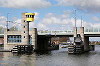 Nederland Zaandam 2016 04 17. De Dr J. M. Den Uylbrug.  Foto Berlinda van Dam / Hollandse Hoogte