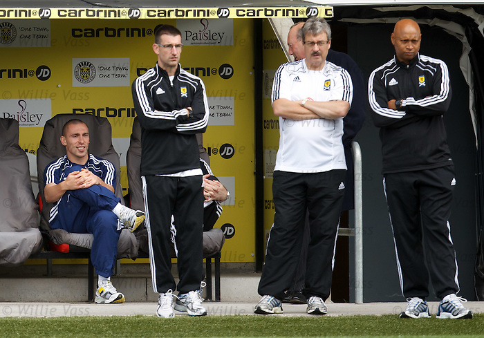 Scott Brown sits out training with the medical staff