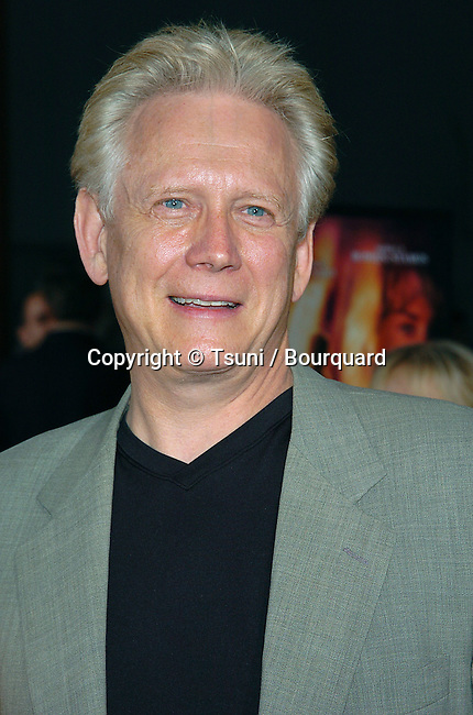 Bruce Davison arriving at the Godsend Premiere at the Chinese Theatre in Los Angeles. April 22, 2004.