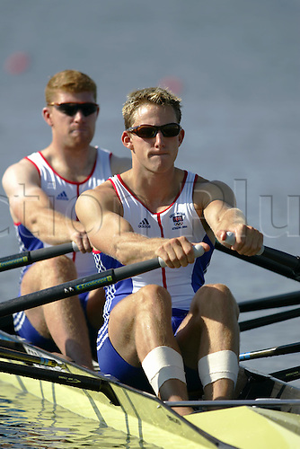 18 August 2004: British scullers MATTHEW LANGRIDGE (S) and MATTHEW WELLS (B) (GBR) competing in the men's double sculls Semi-Final at the Schinias Olympic Rowing and Canoeing Centre, 2004 Olympic Games, Athens, Greece. Photo: Neil Tingle/Action Plus...040818 olympics  rowing rower sculls sculling