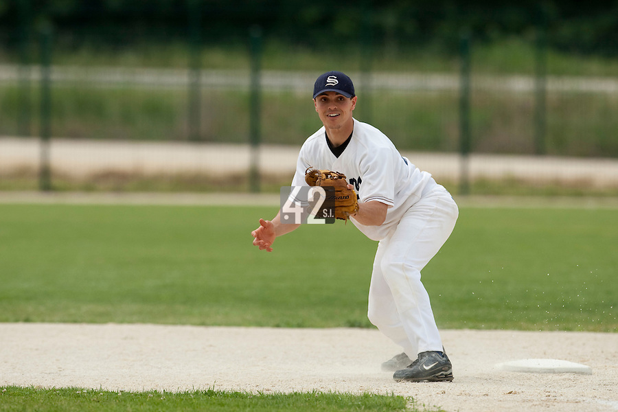 21 May 2009: Yann Dal Zotto of Savigny eyes a ball in the infield during the 2009 challenge de France, a tournament with the best French baseball teams - all eight elite league clubs - to determine a spot in the European Cup next year, at Montpellier, France.
